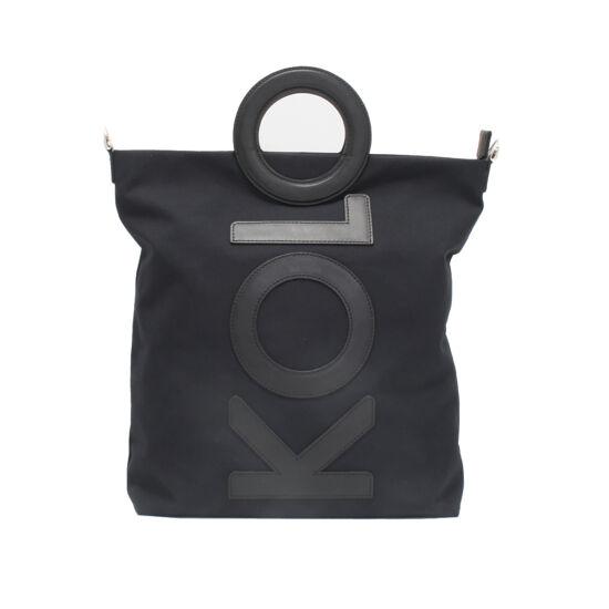 fekete betűs táska